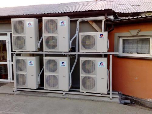 inwertery-klimatyzacja-w-firmie-dom-weselny
